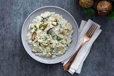 Il risotto ai funghi porcini è un primo piatto cremoso e avvolgente ricco di gusto e suggestioni, perfetto per le prime sere d'autunno! Mushroom Risotto, Fett, Italian Recipes, Potato Salad, Meal Planning, Nom Nom, Stuffed Mushrooms, Cooking Recipes, Meals