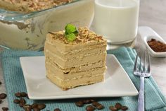 A delicious cold coffee cake, you do not need to bake anything, kids and adults will love it and your kids can help in its preparation. Mexican Food Recipes, Dessert Recipes, American Cake, Macaron Recipe, Ice Cream Desserts, Coffee Recipes, Delicious Desserts, Sweet Tooth, Bakery
