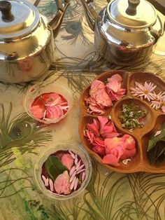 Fairy Soup! Lovely sensory water play activity! Fill tea pot with scented & coloured water. Add a selection of natural items- leaves, flower petal, herbs. Provide bowls & spoons!