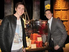 'Harry Potter' stars Oliver and James Phelps experience a fan first