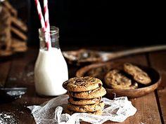 Chocolate chip cookies i gjutjärn (kock Linda Lomelino) Chocolate Chip Cookies Recept, Chocolate Chips, Call Me Cupcake, Fika, Truffles, Sweet Recipes, Glass Of Milk, Fondant, Nom Nom