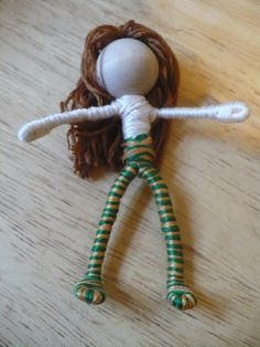 "The Enchanted Tree: New Bendy dolls and Tutorial The Enchanted Tree: New Bendy dolls and Tutorial All you need is pipe cleaners, wooden beads for the head, embroidery floss and a bit of craft glue. For the hair you can use wool roving, yarn or embroidery floss they all work well. The clothing can be made from felt, fabric or silk flowers. You can embellish them with other items and you can be as simple or as creative as you want. Cut your pipe cleaner in three pieces, so you'll have one 4""…"