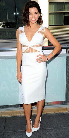 Jenna Dewan-Tatum in a white cutout Cushnie et Ochs dress and Stuart Weitzman heels
