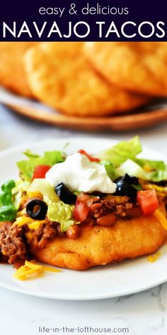 Easy Navajo Tacos Navajo Tacos are Indian fry breads topped with chili, cheese and all your favorite taco fixings! These tacos are absolutely delicious! Navajo Tacos, Mexican Food Recipes, Beef Recipes, Dinner Recipes, Cooking Recipes, Recipies, Ethnic Recipes, Fry Bread Tacos, Fried Tacos