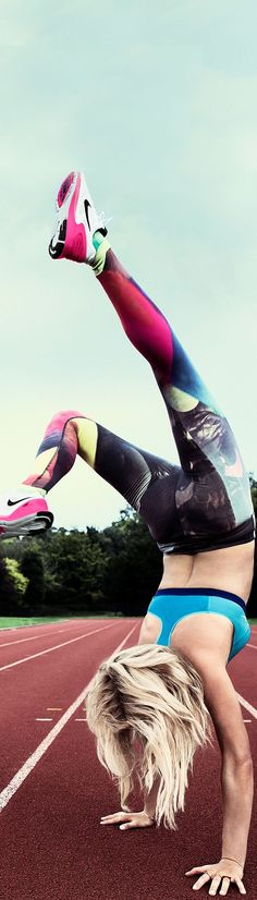 With 5 races under her belt, award-winning platinum-selling artist Ellie Goulding is ready to go for more in the Nike Pro Fierce Bra, ForeveRun Tights and Lunarglide 6 running shoes.