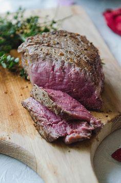 The Perfect Pan Seared Filet Mignon by @SoLetsHangOut // #steak #filetmignon #valentinesday #paleo #glutenfree #primal