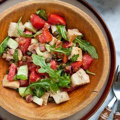 BLT Panzanella salad with tomatoes, pancetta and arugula