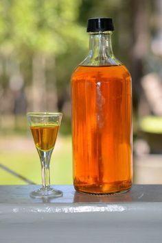 Figen – Kryddersnapse Cider Cocktails, Cocktail Drinks, Fancy Drinks, Cold Drinks, Beverages, Vodka Shots, Seaside Decor, Danish Food, Spiritus