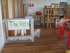 Role-play Vets | Pre-school Play  So many AWESOME posts.... must read all!