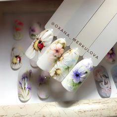 "#naildesign#nailart #springnailart #flowernailart #ladybugnailart OM'Stuudio Estonia (@oxana_merkulova) on Instagram: ""Wildflowers - самый нежный и самый летний курс. Скоро на всех ручках страны ... Скоро 27…"""