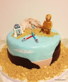 r2d2 wedding cake topper r2 d2 and c 3po on tours wooden pegs and 18951