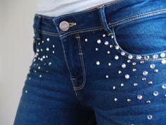 Dare to DIY: Hallazgos de rebajas #2: Jeans customizados con Swarovski