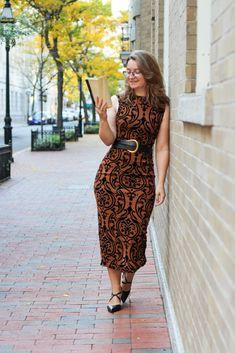 Stylish Swirls - Trends and Tolstoy Beautiful Hijab, Beautiful Girl Image, Cute Dress Outfits, Cute Dresses, Her Style, Swirls, Female Models, Sexy Women, Bodycon Dress