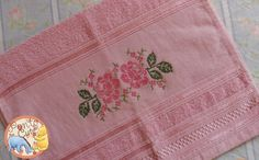 Ponto Cute: Toalha de Lavabo Rosas