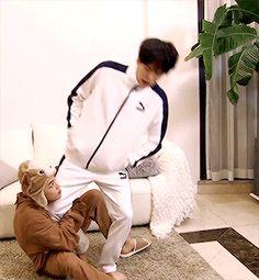 Min Yoongi x Park Jimin Jikook, Bts Bangtan Boy, Bts Jimin, Bts Memes, Kpop, Yoonmin Fanart, Jimin Fanart, Bts Video, Min Suga