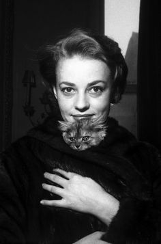 Jeanne Moreau with cat