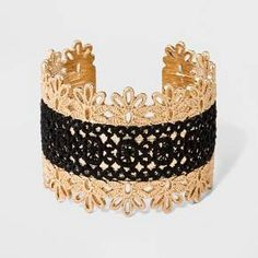 Whether for evening or everyday, the SUGARFIX by BaubleBar Filigree and Lace Cuff Bracelet is all about feminine polish. Simply a must for every jewelry lover, this pieces looks equally chic whether worn solo or within a stack.