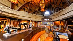 Boasting authentic African artifacts and decorations in the lobby, Disney's Animal Kingdom Villas – Kidani Village invites you to journey into the heart of Africa.