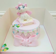 Marie from Aristocats cake