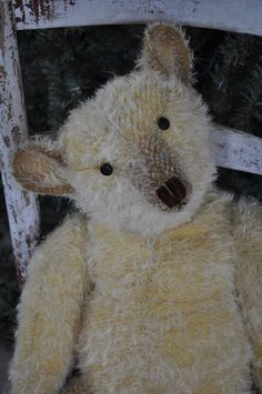 ❥ the sweetest little antiquey bears made by Terry John Woods! :)