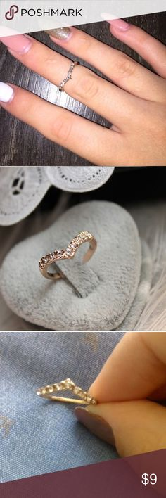 V-shaped unique imitation diamond pinkie ring New Type	Rings Style	Trendy Material	Crystal Metals Type	Gold Plated Shape\pattern	Geometric Jewelry Rings