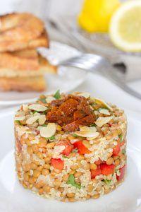 Lentil and Quinoa Salad Lentil and quinoa salad Healthy Recepies, Healthy Menu, Raw Food Recipes, Veggie Recipes, Vegetarian Recipes, Ensalada Rusa Recipe, Lentils And Quinoa, Quinoa Salad, Vegan Fish