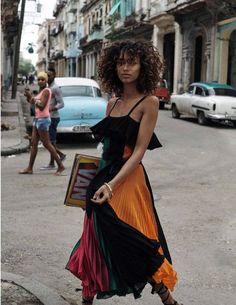 a-state-of-bliss: Vogue Espana March 2016 'Bienvenida Cuba' -. (Baroque Down) - a-state-of-bliss: Vogue Espana March 2016 'Bienvenida Cuba' -… - Seoul Fashion, Trend Fashion, New York Fashion, Look Fashion, Fashion Art, Editorial Fashion, Vintage Fashion, Womens Fashion, Fashion Tips