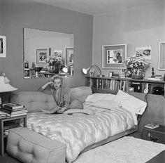 Photo: American actress MarilynMonroe(1926 - 1962) relaxes on a sofa bed, circa 1951. The book she is reading is 'The Poetry and Prose of Heinrich Heine'. Photo by Archive Photos/Getty Images