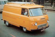 ford D series at rear Vintage Vans, Vintage Trucks, Classic Trucks, Classic Cars, Dodge, Volkswagen, Mustang Wheels, Vanz, Old Commercials