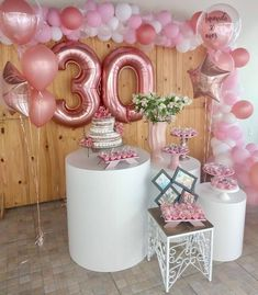 Aniversário com mesa cilíndrica 23rd Birthday, 30th Birthday Parties, Happy Birthday, Bridal Shower Decorations, Balloon Decorations, Birthday Party Decorations, Olay, Birthday Balloons, Party Time