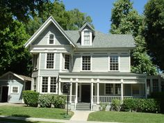 Gilmore Girls - sookies house - click for more inside