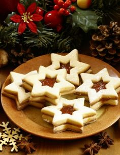 Linecké cukroví bezlepkové Gluten Free Desserts, Dairy Free Recipes, Christmas Baking, Free Food, Waffles, Food And Drink, Sweets, Meals, Cookies