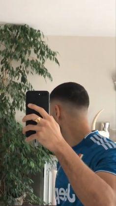 Rude Boy, Beautiful Men Faces, Cat Aesthetic, Boyfriend Pictures, Tumblr Boys, I Meet You, Fade Haircut, Male Face, Barber Shop