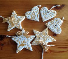 Clay Christmas Decorations, Polymer Clay Christmas, Star Decorations, Christmas Ornaments, Homemade Ornaments, Clay Ornaments, Christmas Makes, Simple Christmas, Arts And Crafts Projects