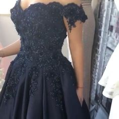 navy blue ball gown prom dresses,so so elegant! Navy Blue Prom Dresses, Fall Bridesmaid Dresses, Prom Dresses With Sleeves, Wedding Dress Sleeves, Pretty Dresses, Homecoming Dresses, Elegant Ball Gowns, Fancy Gowns, Off Shoulder Wedding Dress Lace