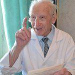109-ročný šokoval tých s hypertenziou, odporučil im na 77% vyčistiť tepny Aloe Vera, Coat, Sewing Coat, Coats, Peacoats
