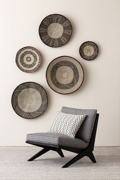 Home decor accessories easy note 6150416328 - Really Awe Inpsiring ideas. Filed under modern home decor accessories , nicely pinned on this day 20190730 African Interior Design, Decor Interior Design, Interior Decorating, Decorating Kitchen, African Home Decor, Deco Design, Baskets On Wall, Woven Baskets, Upholstered Chairs
