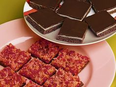Chocolate cherry slice recipe - By Australian Women& Weekly, If you& a fan of the cherry ripe, you& love our chocolate cherry slice. The combination of cherries, chocolate and coconut will be reminiscent of this quintessential chocolate bar, only better. Chocolate Coconut Slice, Mint Chocolate Cheesecake, Chocolate Caramel Slice, Chocolate Custard, Chocolate Sweets, Chocolate Topping, Decadent Chocolate, Chocolate Cherry, Gluten Free Chocolate