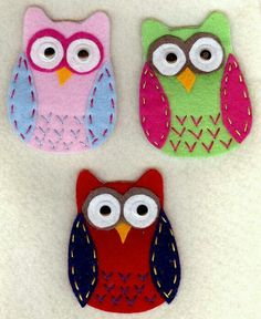 Felt owl appliques handmade set of 3 por patternoldies en Etsy Felt Owls, Felt Birds, Fabric Crafts, Sewing Crafts, Sewing Projects, Handmade Felt, Felt Diy, Owl Applique, Owl Crafts