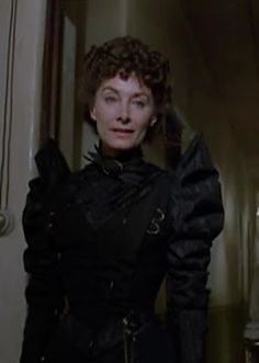 Nurse from Return to Oz (Later becomes Mombi)