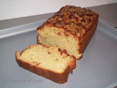 Recette trouvée sur le blog de mon aminaute Gabie ! J'ai adoré ce cake que je referai car il était super bon et super moelleux ! * 150 g de farine * 70 g amande poudre * 1 sachet de levure * 3 oeufs * 140 g de sucre * 10 cl de lait * 140 g de beurre *...