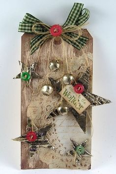 This would look great with a burlap background Suzanne's Stamping Spot: Country Christmas Tag Noel Christmas, Christmas Gift Tags, Christmas Paper, Country Christmas, Xmas Cards, All Things Christmas, Christmas Ornaments, Outdoor Christmas, Christmas Christmas