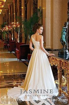 Jasmine Collection* Love the one shoulder strap. Adds something extra. #Classy #AET