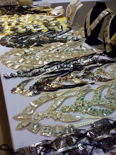 One of the many vendors at a Tahiti Fête on the mainland. There's always tons of mother of pearl jewelry at these competitions.