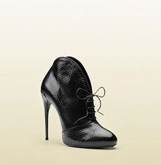this is style Gucci Boots, Shoe Boots, Shoes, Winter Collection, Stiletto Heels, Cool Style, Lace Up, How To Wear, Python