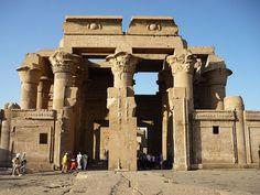 Tempio di Kom Ombo, Viaggi e vacanze in Egitto http://www.italiano.maydoumtravel.com/Pacchetti-viaggi-in-Egitto/4/0/