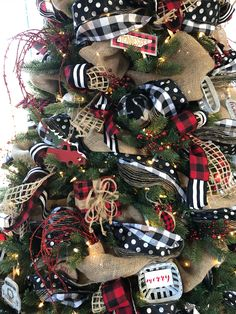 Buffalo check Christmas tree with red, black and white ribbon and cute ornaments! Learn to decorate your tree the easy way!