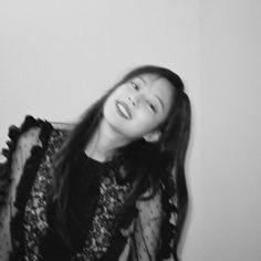 Image discovered by 𝐆𝐚𝐛𝐫𝐢𝐞𝐥𝐥𝐞. Find images and videos about kpop, black and white and aesthetic on We Heart It - the app to get lost in what you love. Kim Jennie, Kpop Aesthetic, Aesthetic Girl, Kpop Girl Groups, Kpop Girls, Black Pink Kpop, Black And White Girl, Black And White Aesthetic, Blackpink Photos