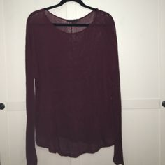 Brandy Melville Top A cute, simple long-sleeved Brandy Melville classic that looks great paired with leggings! Brandy Melville Tops Tees - Long Sleeve