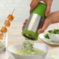 Kitchen Gadgets: Herb Mill Cool Kitchen Gadgets, Kitchen Items, Cool Kitchens, Kitchen Tools, Chef Kitchen, Kitchen Products, Kitchen Gifts, Kitchen Stuff, Kitchen Utensils